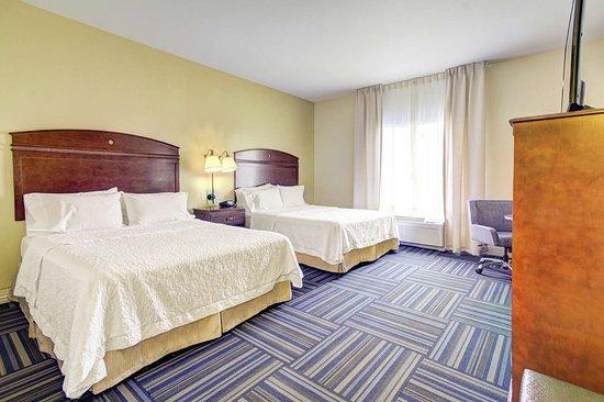 Hampton Inn and Suites Alexandria