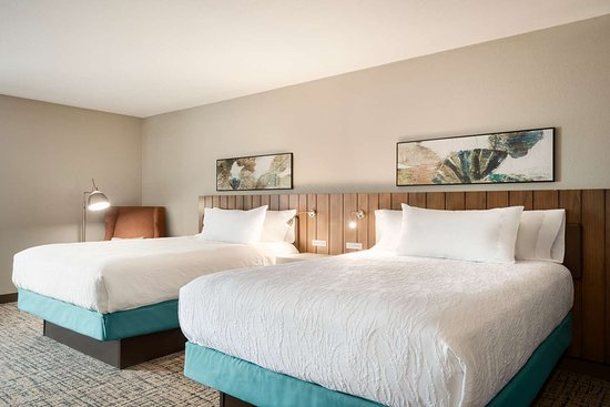 hilton garden inn dubuque downtown iowa updated 2019. Black Bedroom Furniture Sets. Home Design Ideas