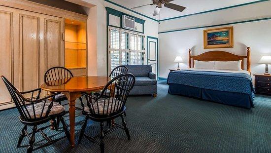 Best Western Pioneer Inn: 1 King Room Large