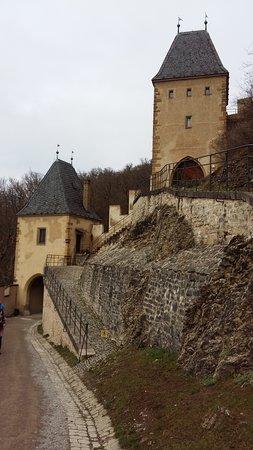 Karlstejn, Çek Cumhuriyeti: Una vista del castillo.