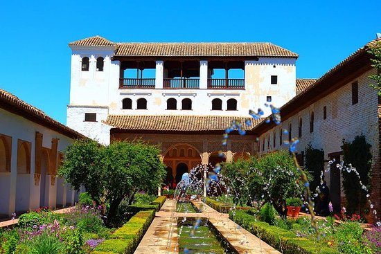 4-Night Guided Tour in Andalusia...