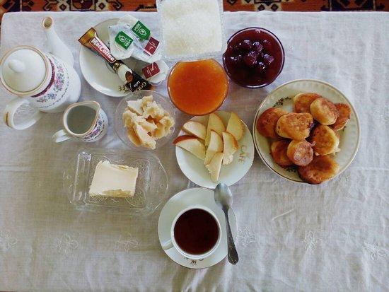 Григорьевка, Киргизия: Или такой завтрак.из домашних продуктов