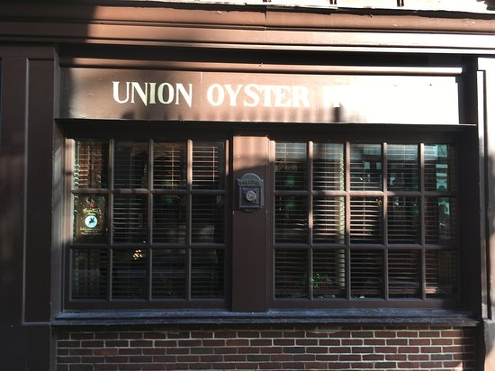 Union Oyster House: Union Oyster House side window.