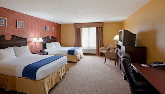 Swansea, MA : Guest room