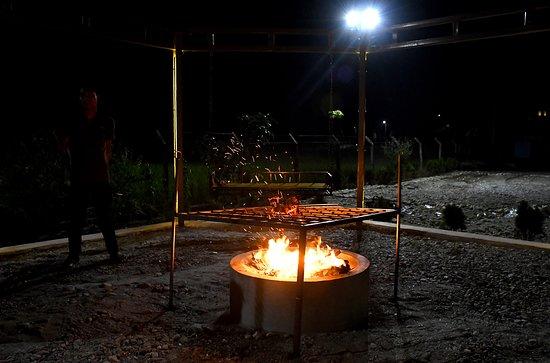 Chalsa, India: BBQ
