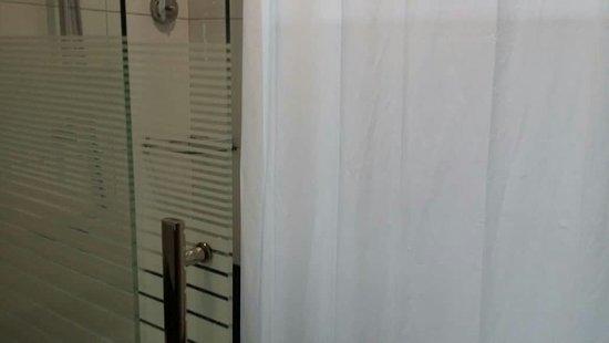 Putatan, Malaysia: Room 218.