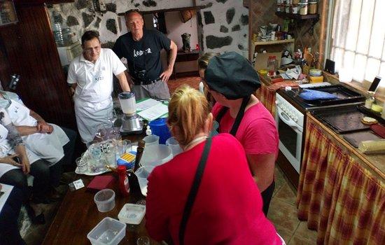 Los Valles, Espanja: Learn to making vegan pancakes