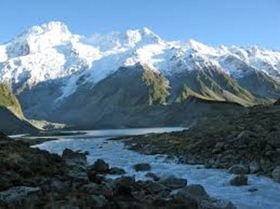 Rwenzori Mountains National Park, Uganda: have you ever bean at the highest mountain in uganda. come and venture with me at the mountain of the moons also known as mountain Rwenzori