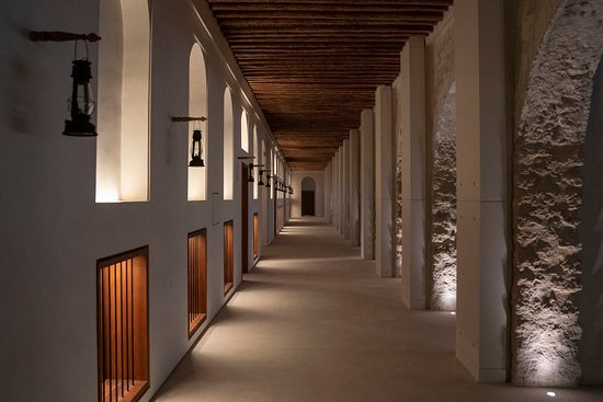 The Outer Palace corridor