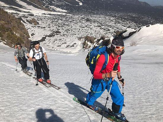 Zafferana Etnea, Italy: Sci alpinismo in Valle del Bove