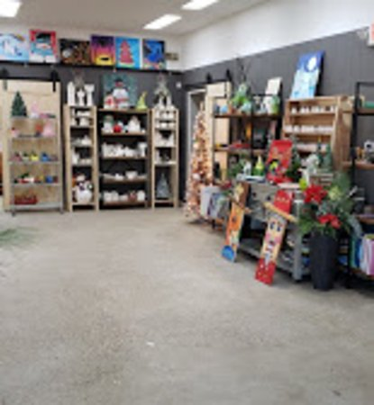 Washington, IL: Studio at Christmastime