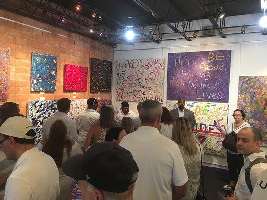 Jumper Maybach Fine Art Gallery