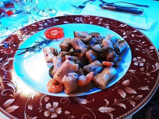 Vigarano Mainarda, Italie : gnocchetti di pesce