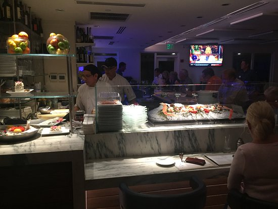 Latitudes Restaurant: Seafood Bar