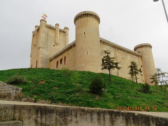Torrelobaton, إسبانيا: Замок Торрелобатон