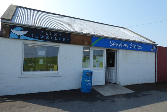 Burray, UK: Fluke Jewellery (exterior... the best is yet to come!)