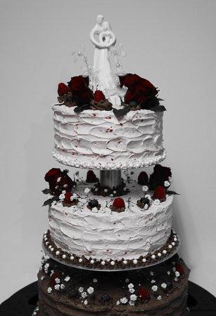 Café Will gratuliert zur Hochzeit mit unserer individuell kreierten Hochzeitstorte in unserer eigenen Konditorei... :)