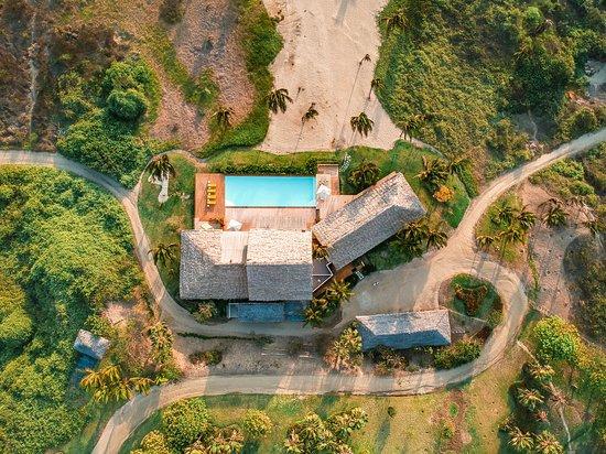 Puerto Cayo, Ekwador: Vista aérea del hotel Tanusas