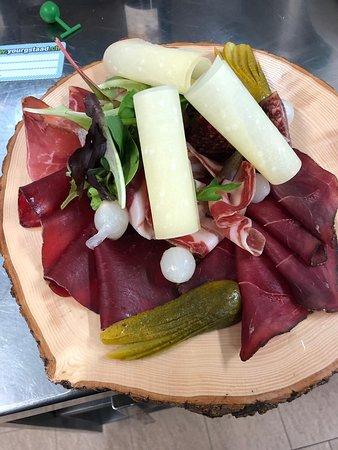 Lauenen, Suiza: plat de viande séchée