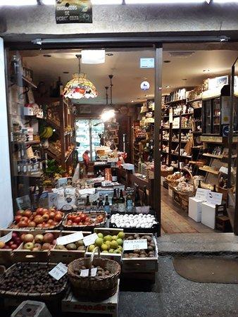 Mondoñedo, España: Frutas merce, productos típicos  gallegos, gourmet y delicatessen