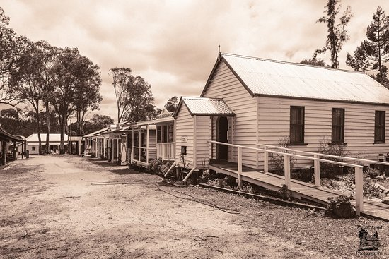 Crows Nest Museum and Historical Village