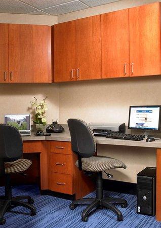Smithfield, RI: Business Center