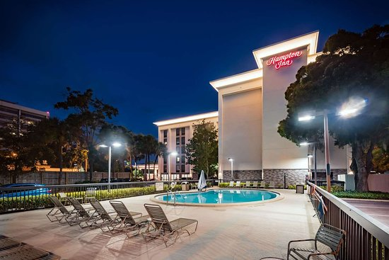 Hampton Inn Tampa International Airport / Westshore Hotel