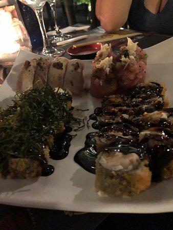 Sushi 'n Roll: Que surpresa agradável! Estamos de férias na cidade e com certeza acertamos na escolha do jantar. Pratos muito saborosos e atendimento excelente. Voltaremos e recomendaremos, com certeza!