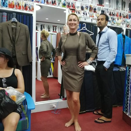 A Cut Above Tailor: Happy costumer