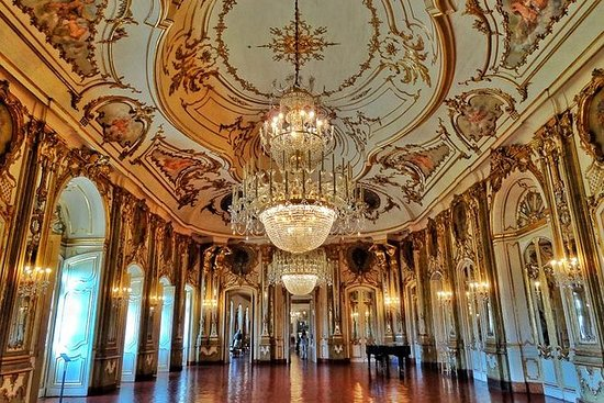 PRIVATE TOUR - QUELUZ, MAFRA AND...