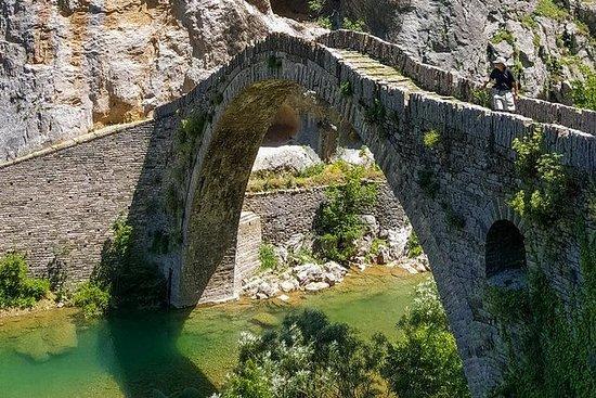 ギリシャ、ヨアニナ、ザゴリでのハイキングアドベンチャー