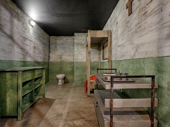 Escape prison forum break room Maui Escape