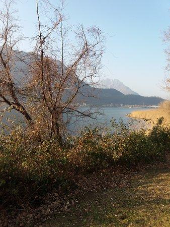 Piste ciclabili di Garlate: Il lago e le montagne