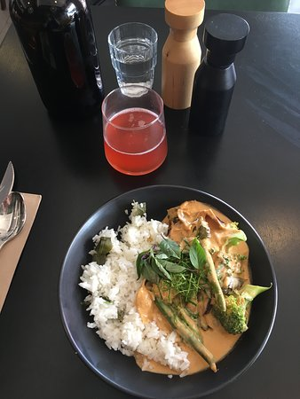Red curry spiced chicken