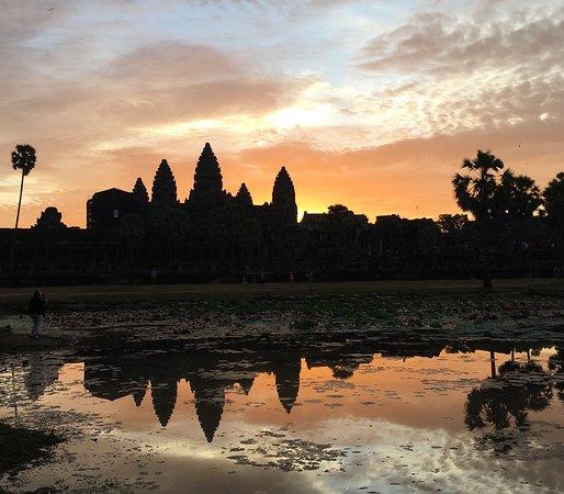 סיאם ריפ, קמבודיה: sunrise at Angkor Wat