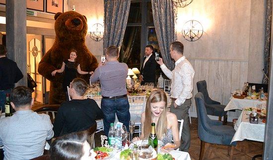 Braslaw, Weißrussland: Мы чудесно встретили новый год! Хорошие люди, улыбки, вкусная кухня, веселье- рецепт чудесного праздника. Всем счастья и добра в новом году!
