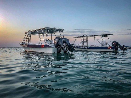 West Bay, هندوراس: Our sunset fleet!