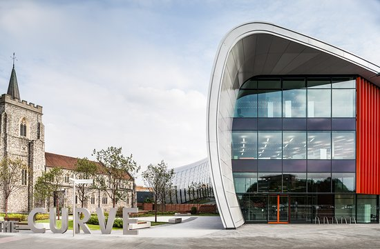 Slough, UK: Entrance to The Curve