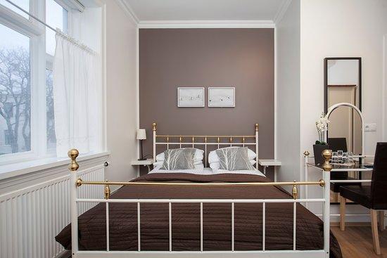 Hotel Hilda: Family Room (Double plus Single)
