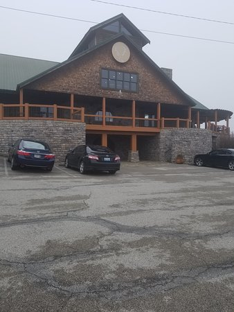 Owenton, KY: Front of the main building (wine tour and tasting takes place here)