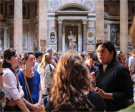 Eternal City Tours: Guide Paul explaining and invigorating