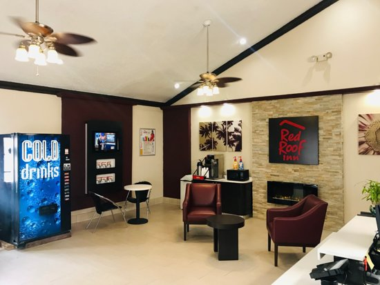 Harvey, Louisiane : Newly renovate lobby with 24 ^7 coffee station.