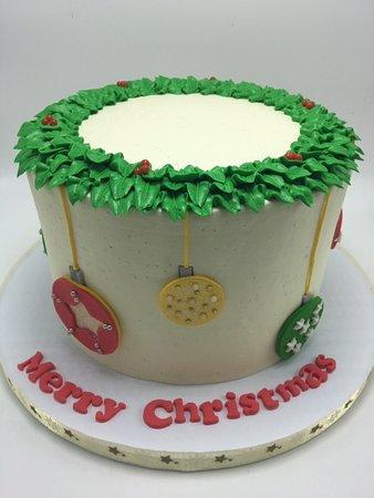Cockeysville, Мэриленд: wreath ornaments christmas cake