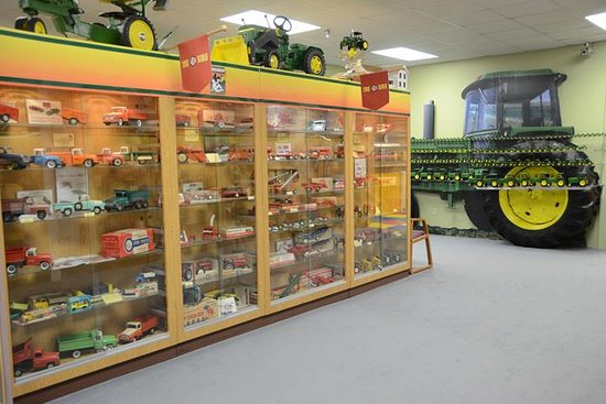 ‪National Farm Toy Museum‬