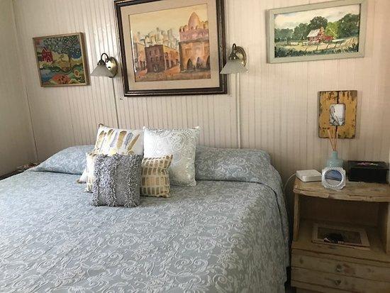 Panama City Beach Bed and Breakfast: The Original Art Bedroom in B&B