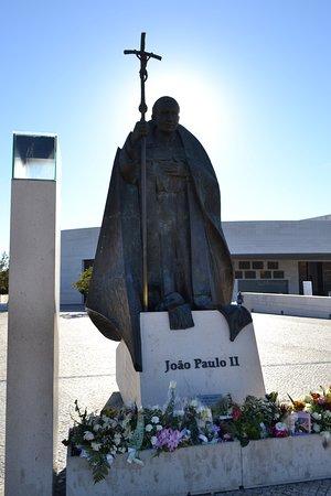 Joao Paulo II: Fue un gran papa, líder y ser humano.