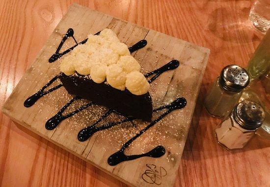 South Berwick, ME: Yummmm. Delicious Chocolate Cake