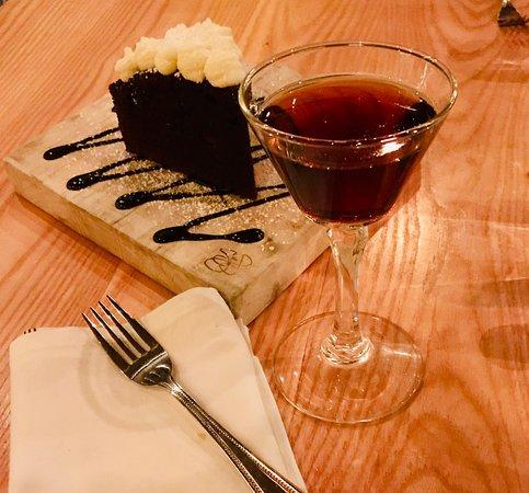 South Berwick, ME: Chocolate Cake and Port