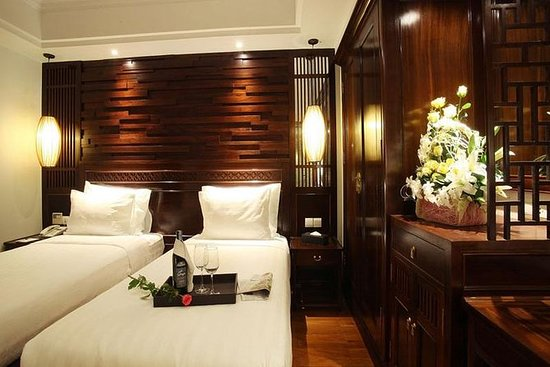 Combo package Ha Noi Palmy hotel and...
