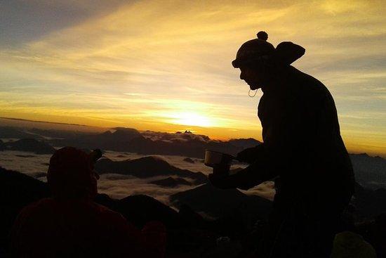 Pedra do Sino Trekking - 02 jours...